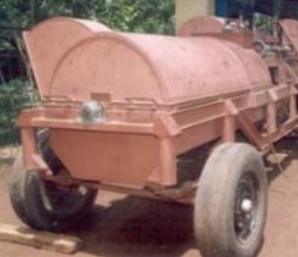 Machine for Threshing Coconut Husk for Coir Industry